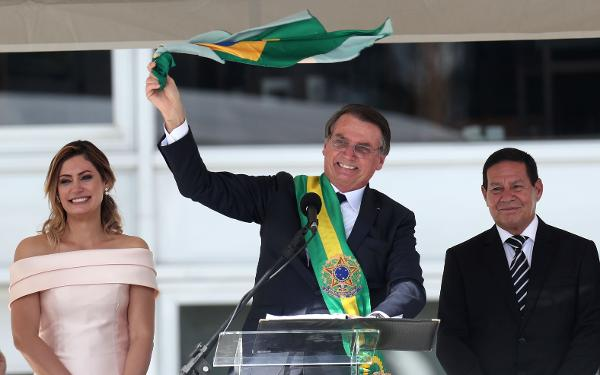 Na posse Bolsonaro fala sobre combater ideologia de gênero
